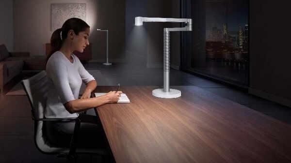 La lampe de bureau Lightcycle Morph Dyson